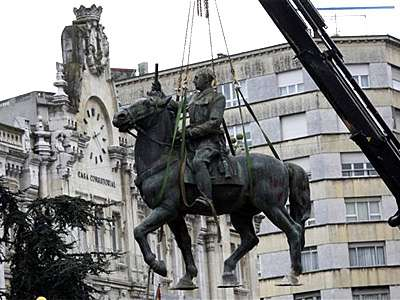 20081219094158-franco-estatua.jpg