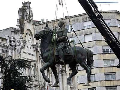20081219094158-franco-estatua.jpg