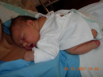 20071022092502-mario-durmiendo.jpg